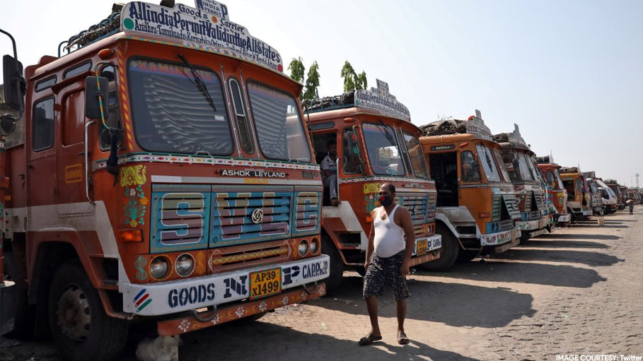 Sonowal talks to Sangma for hassel-free passage through Meghalaya