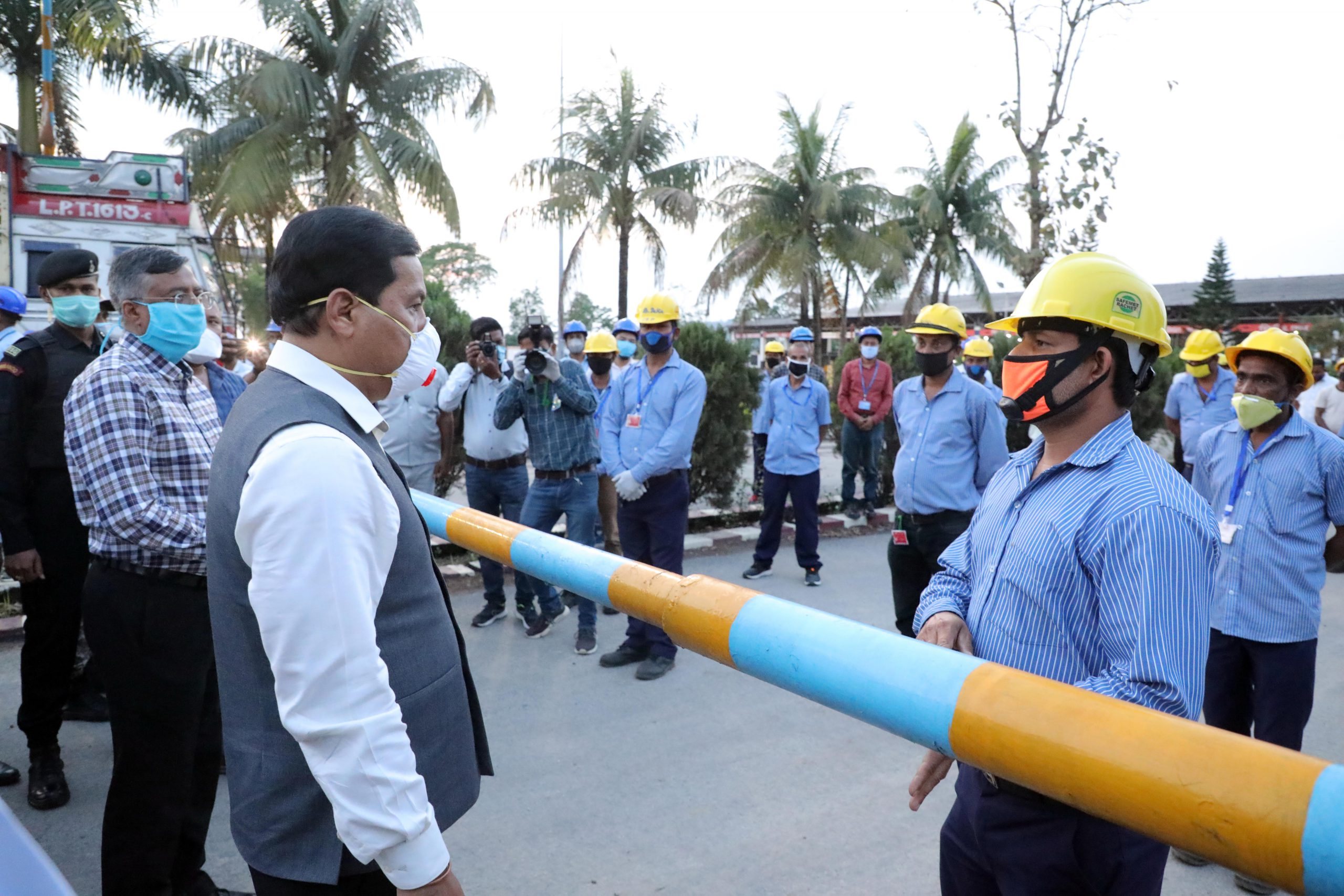 Sonowal interacted with the workers engaged in the bottling plant