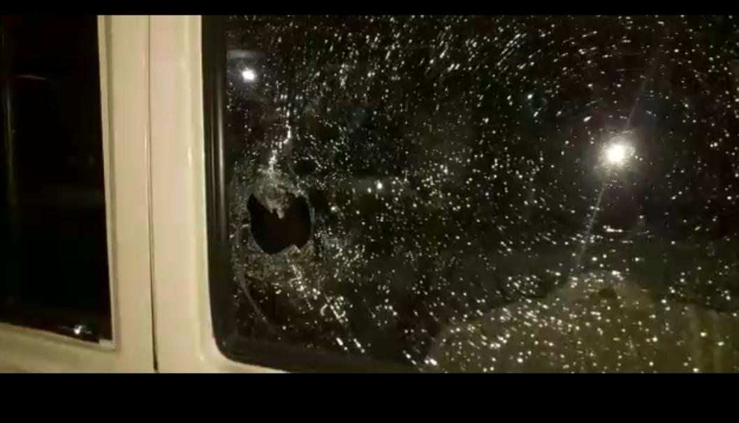 Four policemen injured while enforcing lockdown
