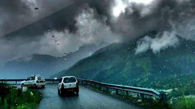 Road connectivity between Aalo-Menchuka damaged in Arunachal