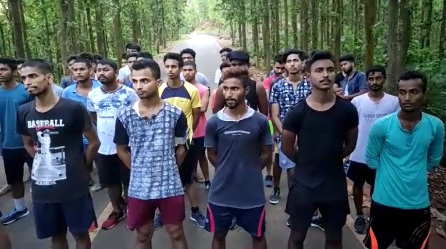 Assam youths practise to join Indian army